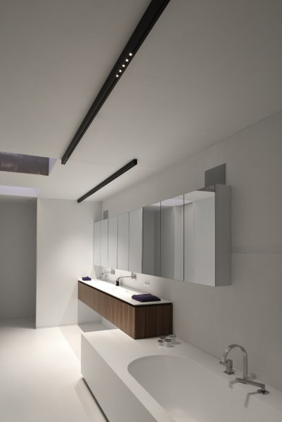 Priv villa maaseik kreon purity in light for International decor surfaces